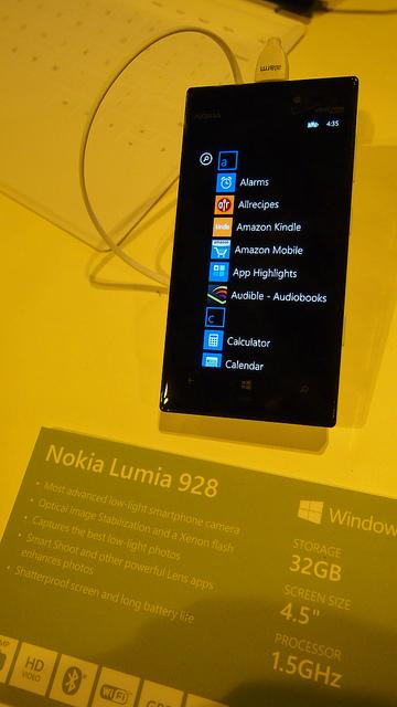 """alt=""""Lumia 928"""""""