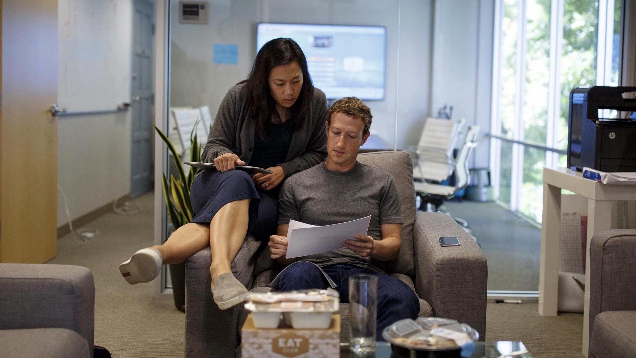 "alt=""Mark & Priscilla Zuckerberg"""