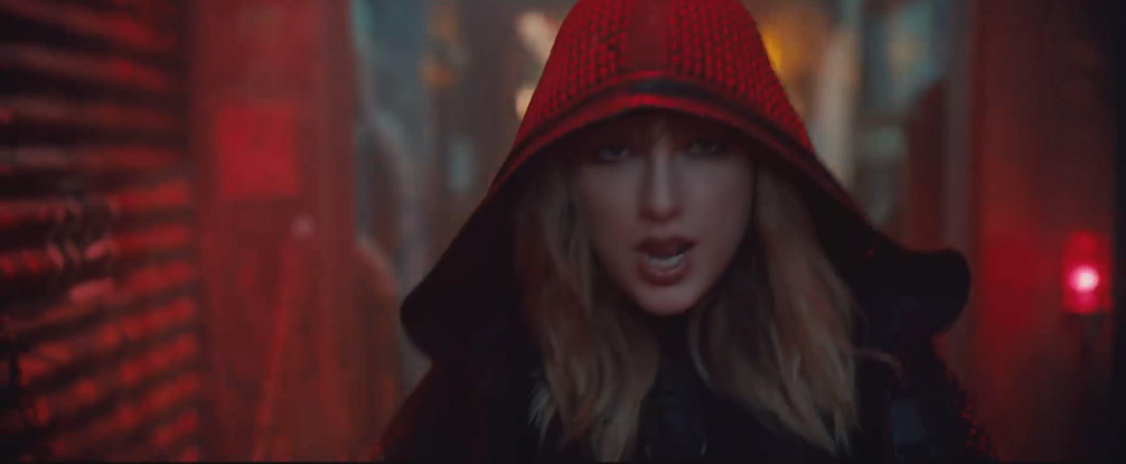 "alt=""Taylor Swift"""