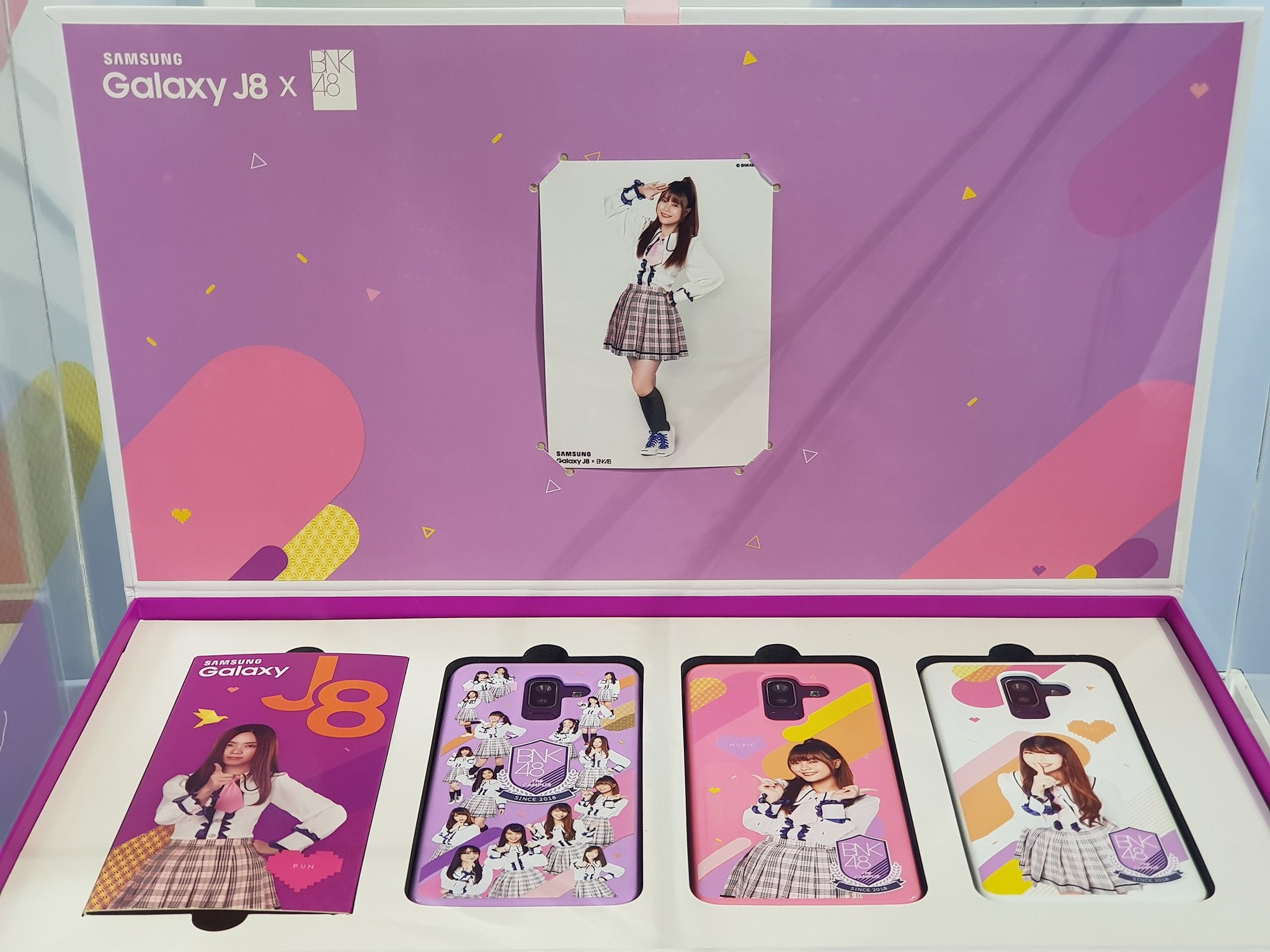 "alt=""Samsung Galaxy J8 BNK48 Box Set"""