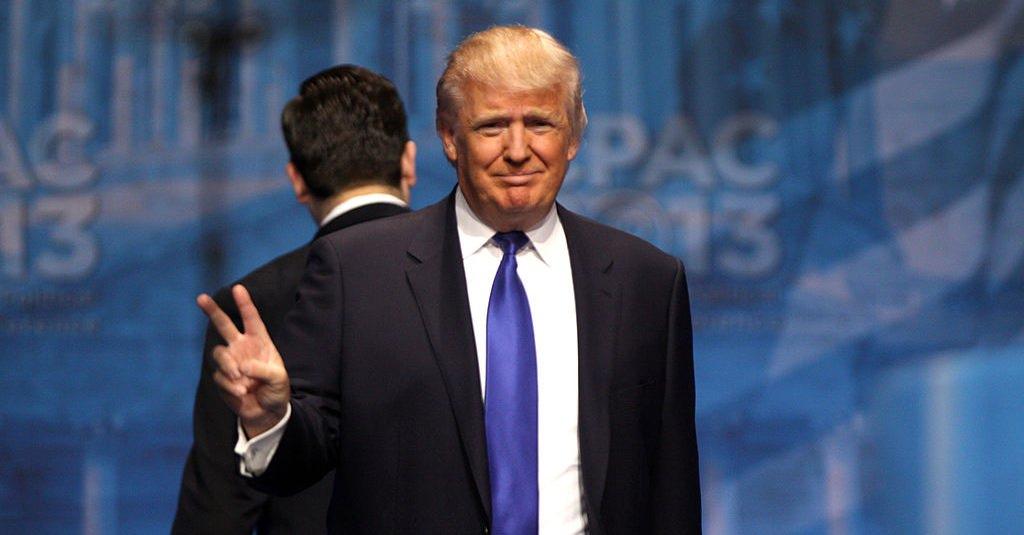 "alt=""Donald Trump"""
