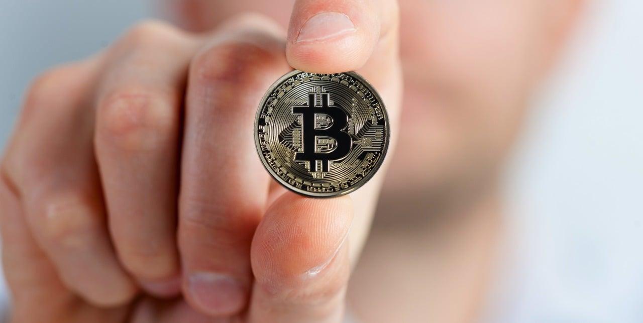 """alt=""""Bitcoin"""""""