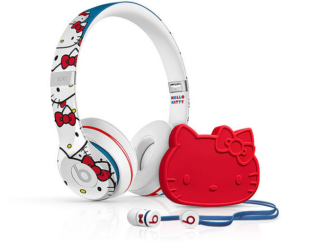 "alt=""Beats-by-Dre-Hello-Kitty-Headphones-1"""