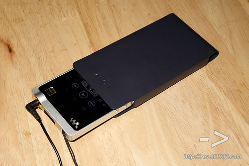 "alt=""Sony WALKMAN ZX1"""
