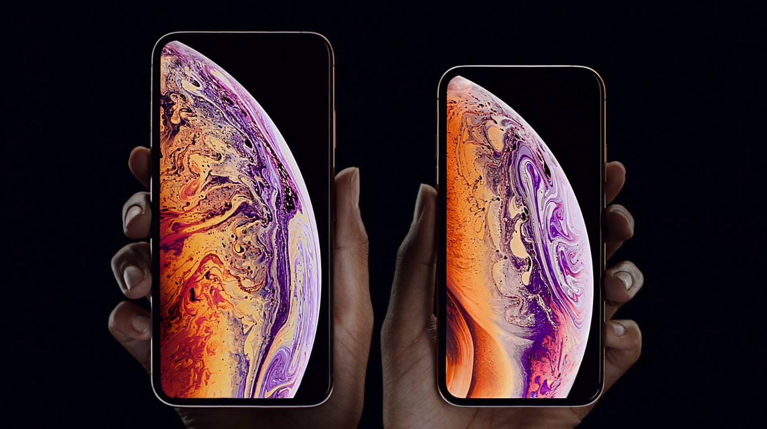 "alt=""iPhone XS"""