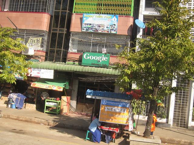 """alt=""""Yangon Street"""""""