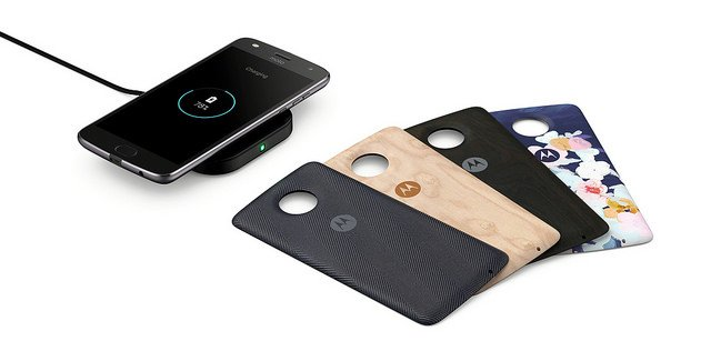 """alt=""""Moto Style Shells with Wireless Charging"""""""