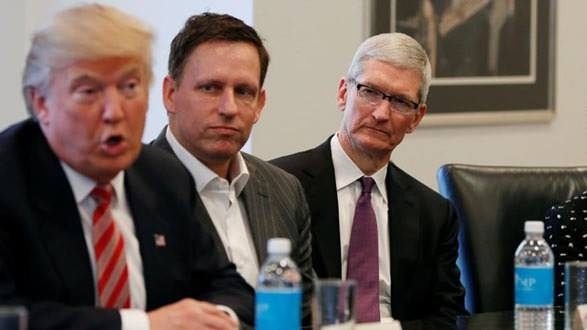 "alt=""Donald Trump & Tim Cook"""