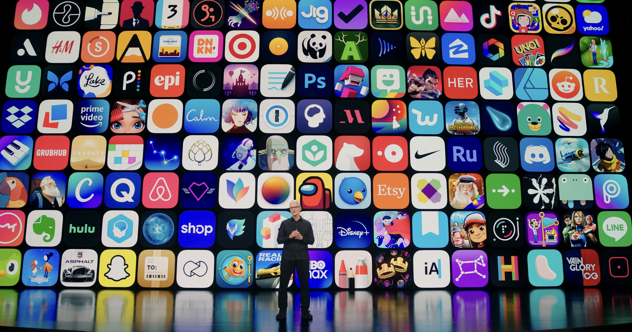 "alt=""Tim Cook on App Store"""