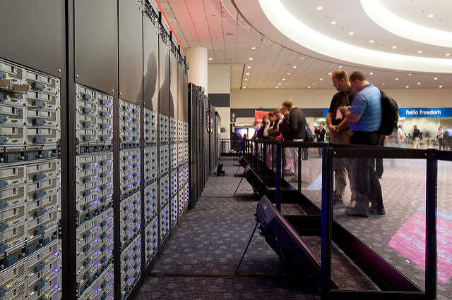 "alt=""Cisco Unified Computing System featured in Datacenter Lab at VMworld 2009"""