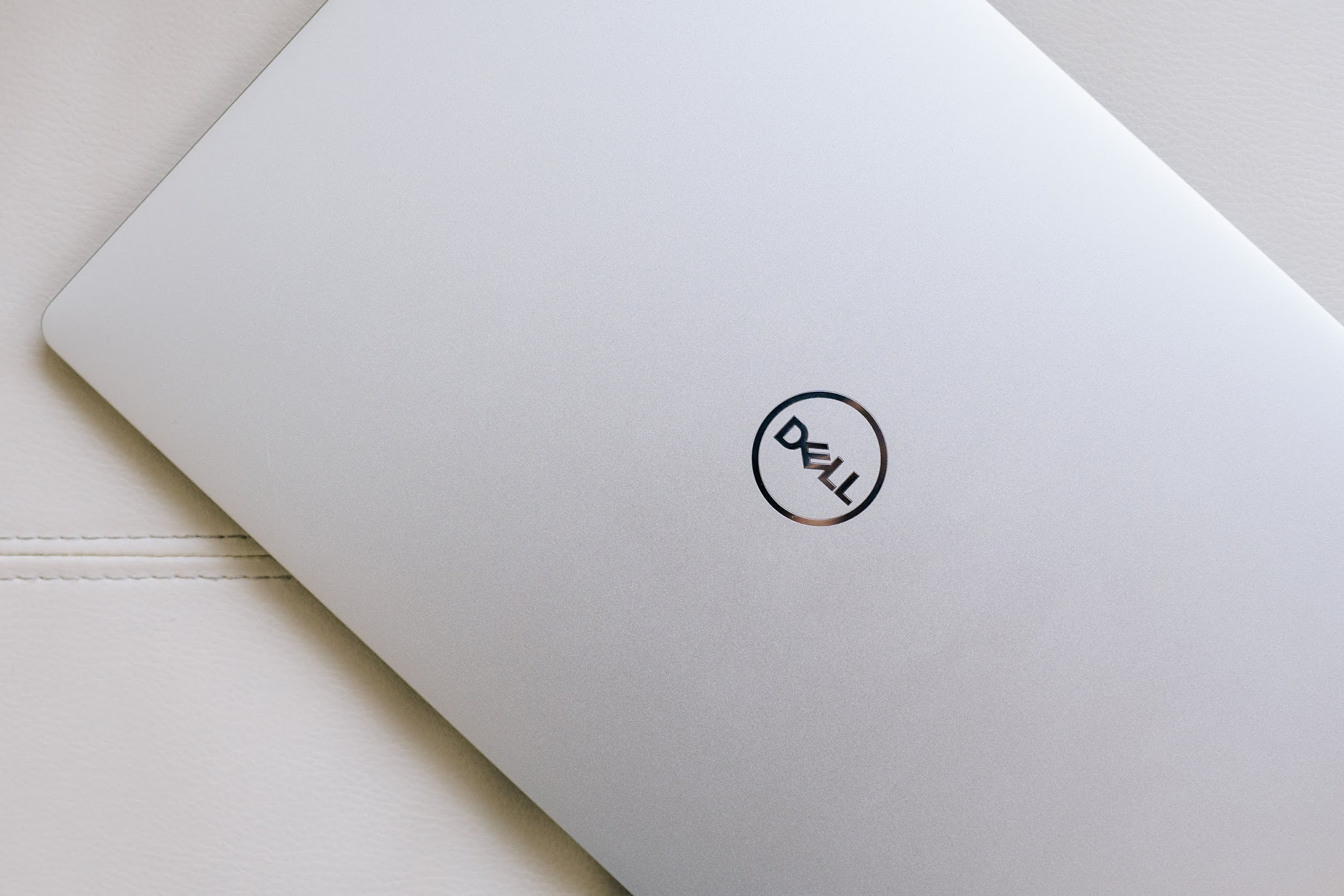 "alt=""Dell XPS 13"""