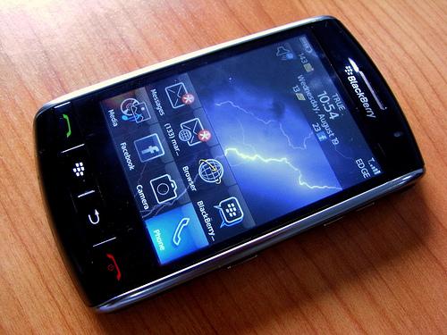 """alt=""""BlackBerry Storm"""""""