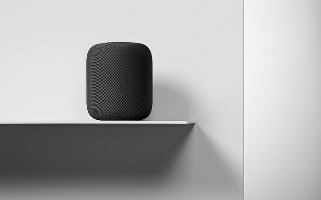 "alt=""HomePod-Availability_interior-placement_012218"""