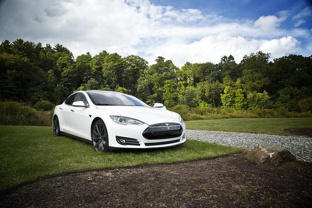 "alt=""car-electric-tesla-s-electric-car-474108"""