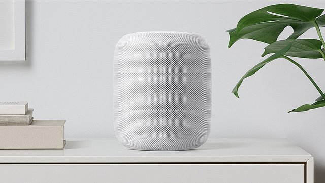"alt=""homepod-white-shelf"""