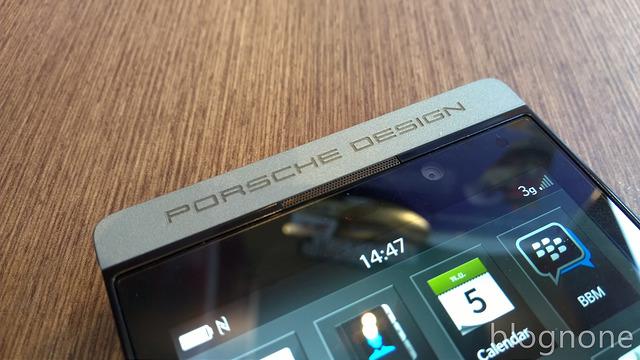 """alt=""""Porsche Design logo"""""""