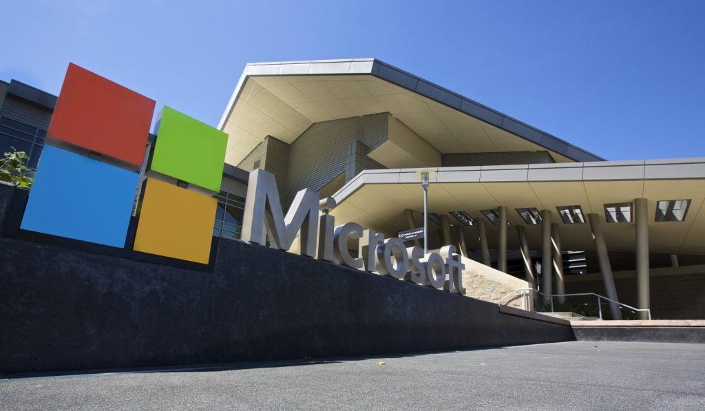 "alt=""Microsoft"""