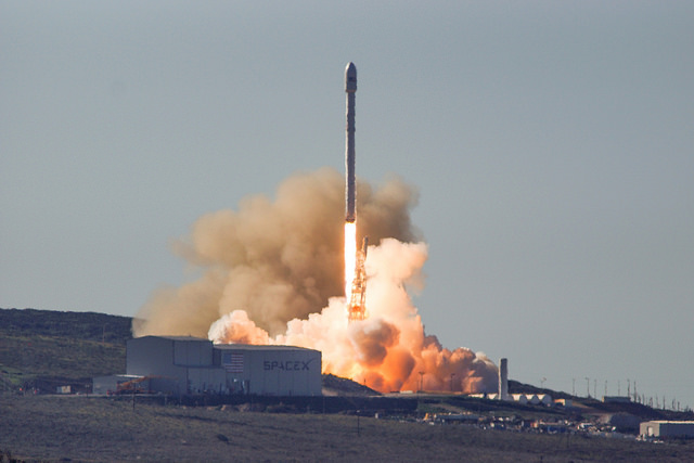 "alt=""Iridium-1 Launch"""