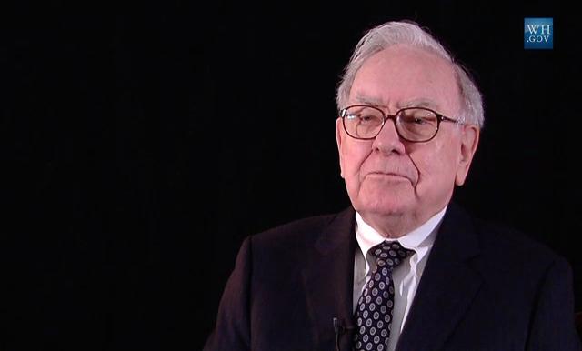 """alt=""""Warren Buffett"""""""