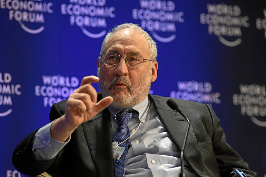 """alt=""""Joseph Stiglitz"""""""