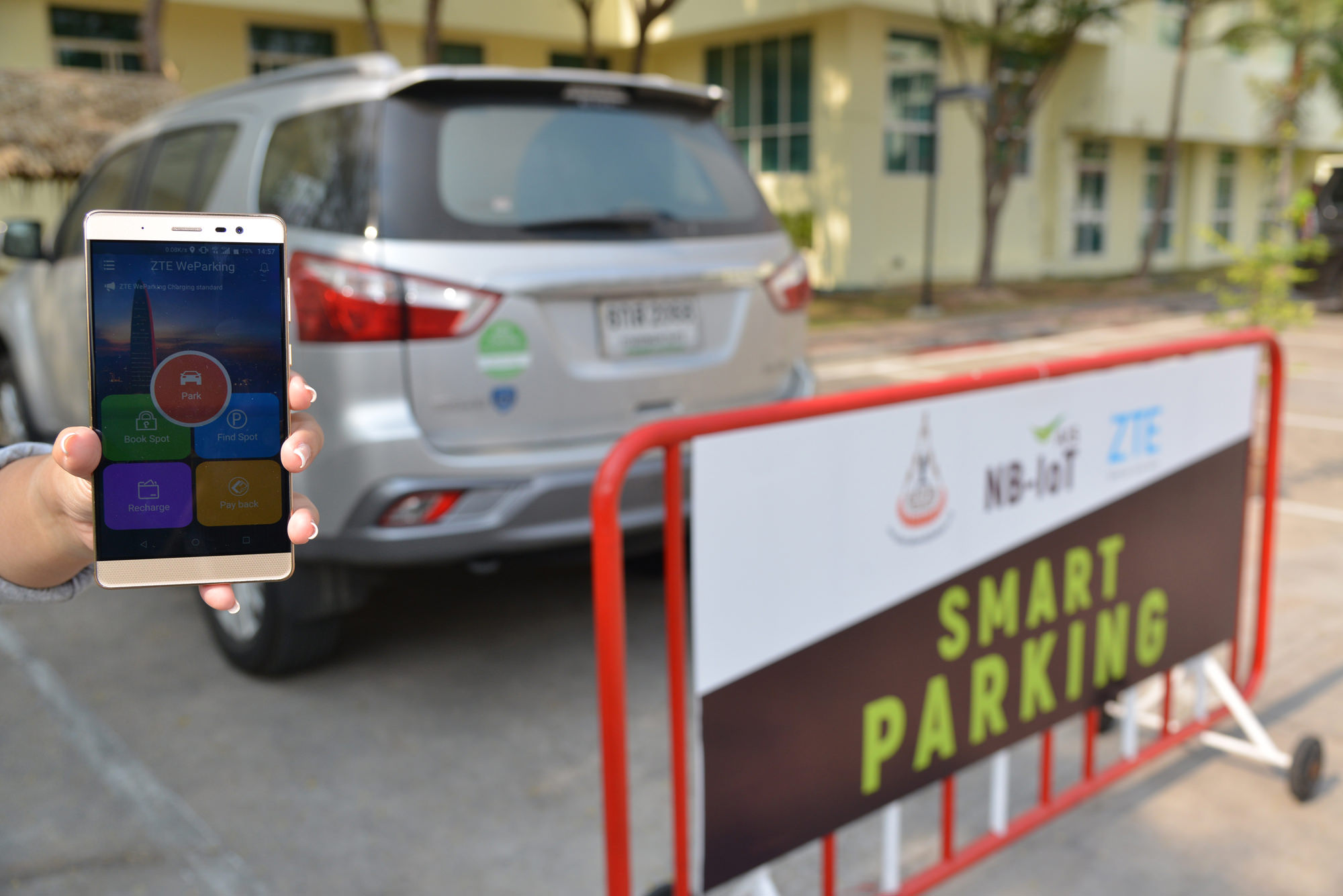 "alt=""Smart Parking"""