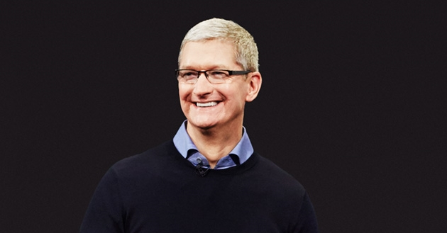 "alt=""Tim Cook"""