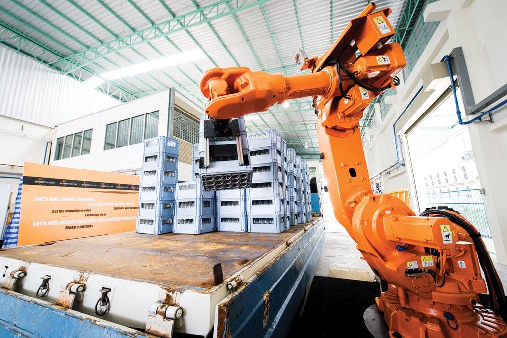 "alt=""ติดตั้งระบบหุ่นยนต์อุตสาหกรรมทั้งใน และต่างประเทศ Palletizing"""
