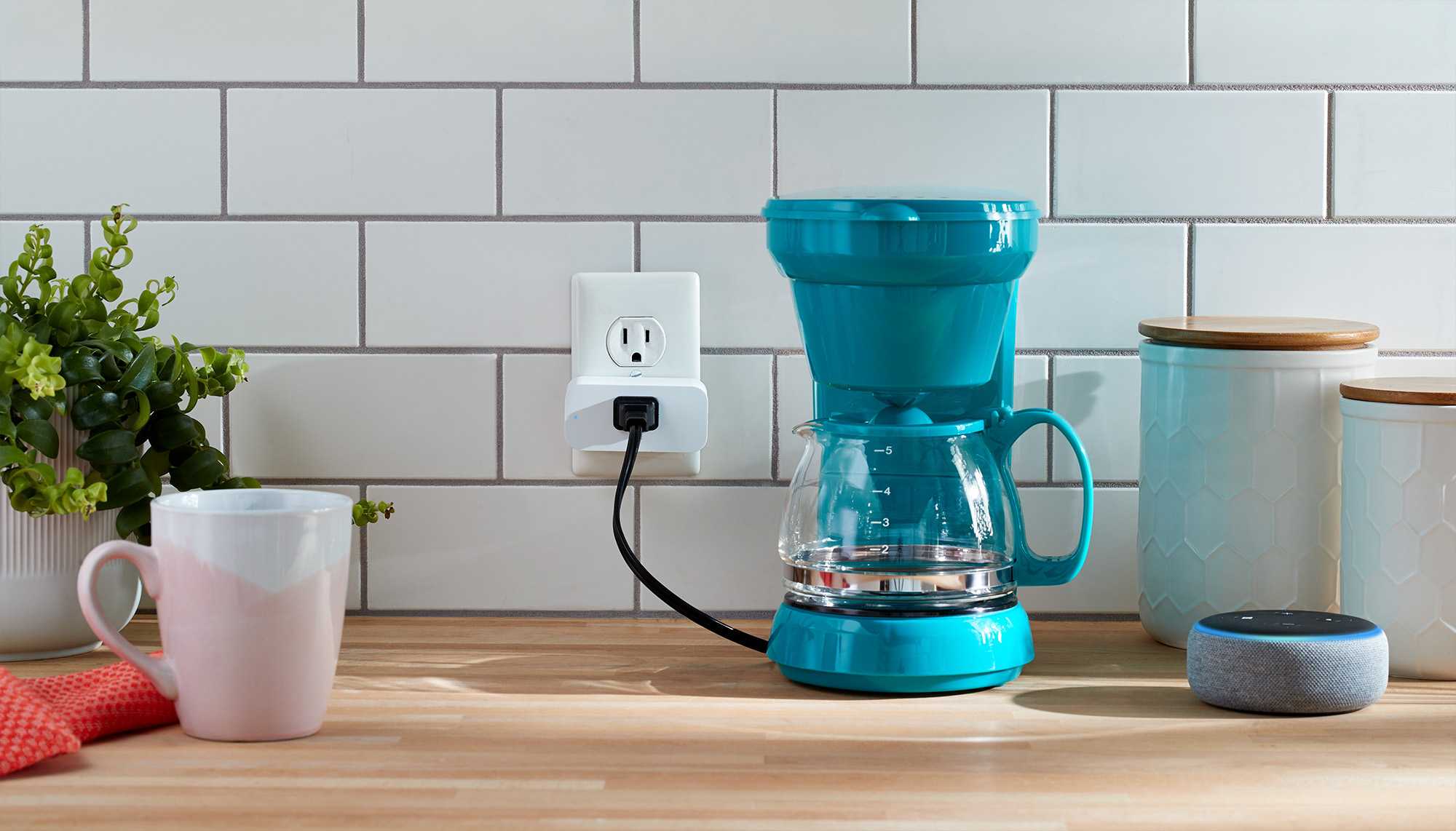"alt=""Amazon Smart Plug"""