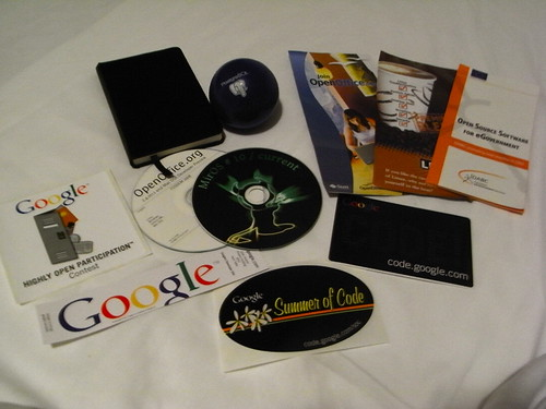 """alt=""""Things I got from FOSDEM 2008"""""""