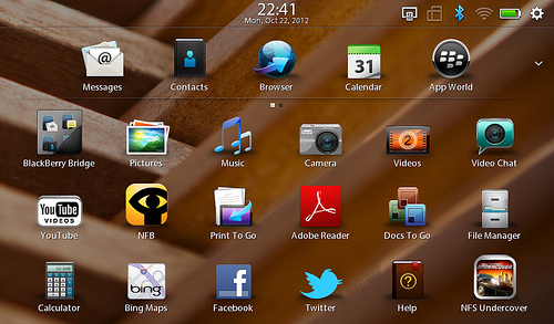 "alt=""หน้าตาของ Playbook OS 2.1 /2"""