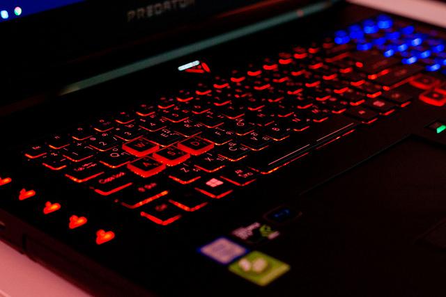 """alt=""""photo-keyboard-full-light"""""""