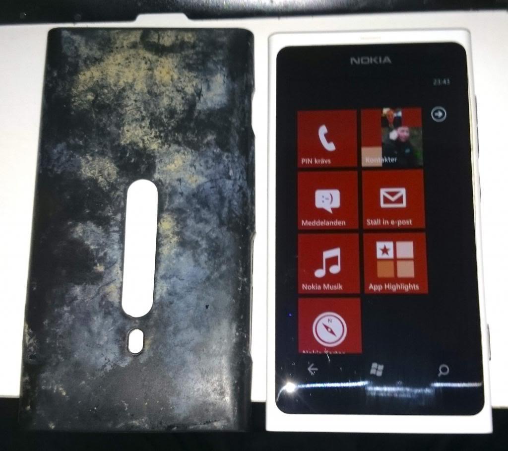 "alt=""Lumia 800 Underwater 2 photo NokiaLumia800underwater_zps21f3ca73.jpg"""