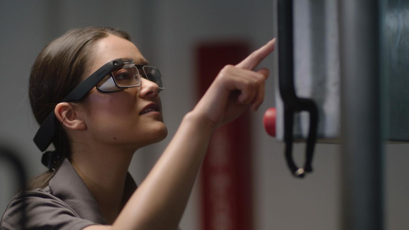 "alt=""Google Glass 2"""